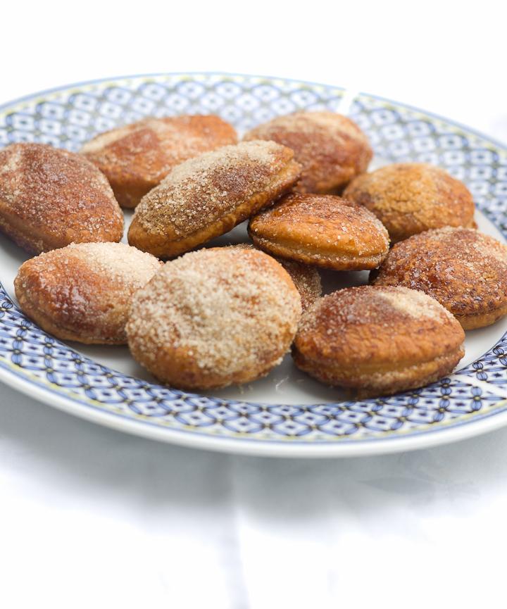 Arnhemse meisjes , koekjes van bladerdeeg en suiker
