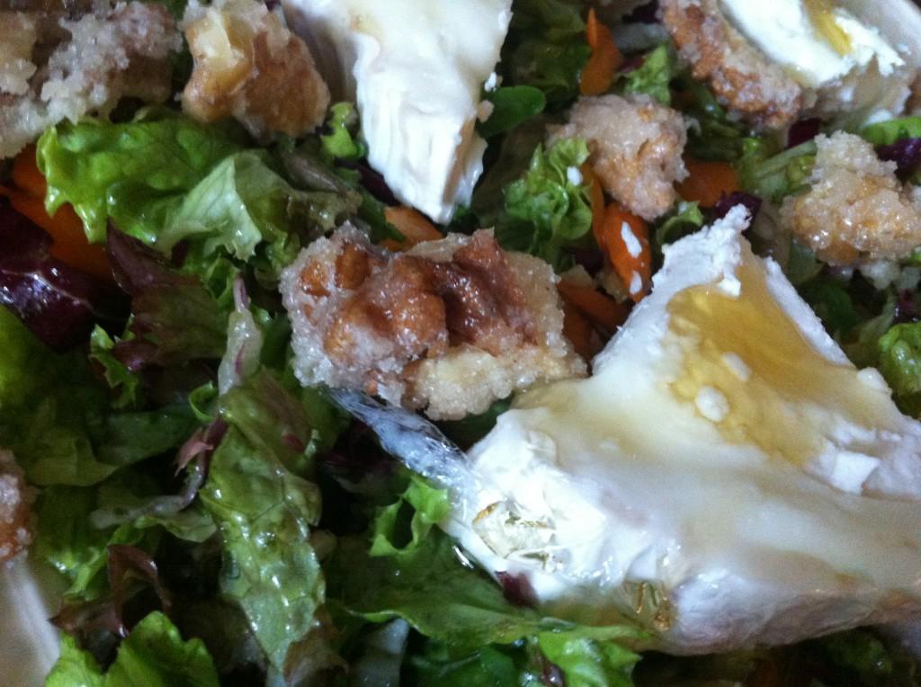 Salade met geitenkaas en walnoten