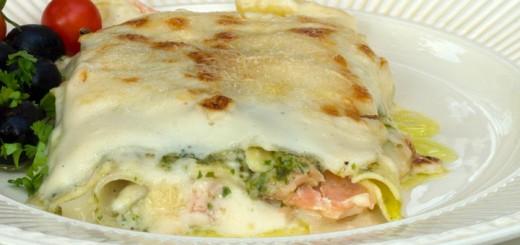 Lasagne met gerookte zalm en pesto