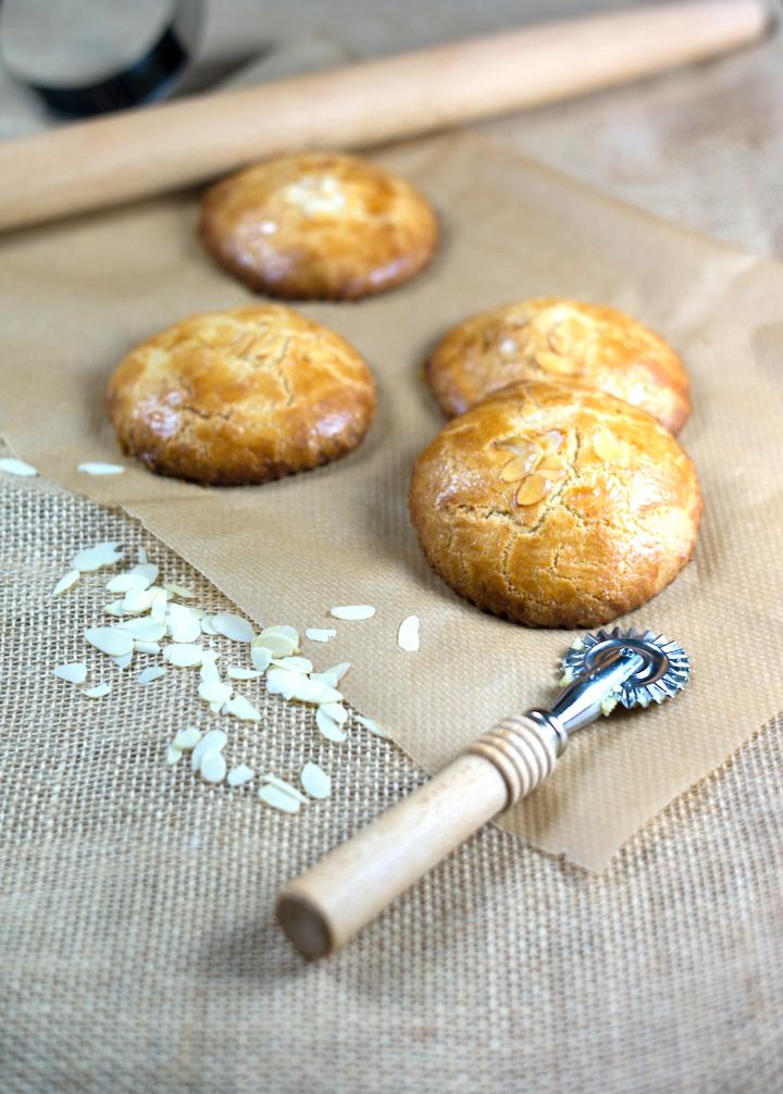 Zewlf gevulde koek maken