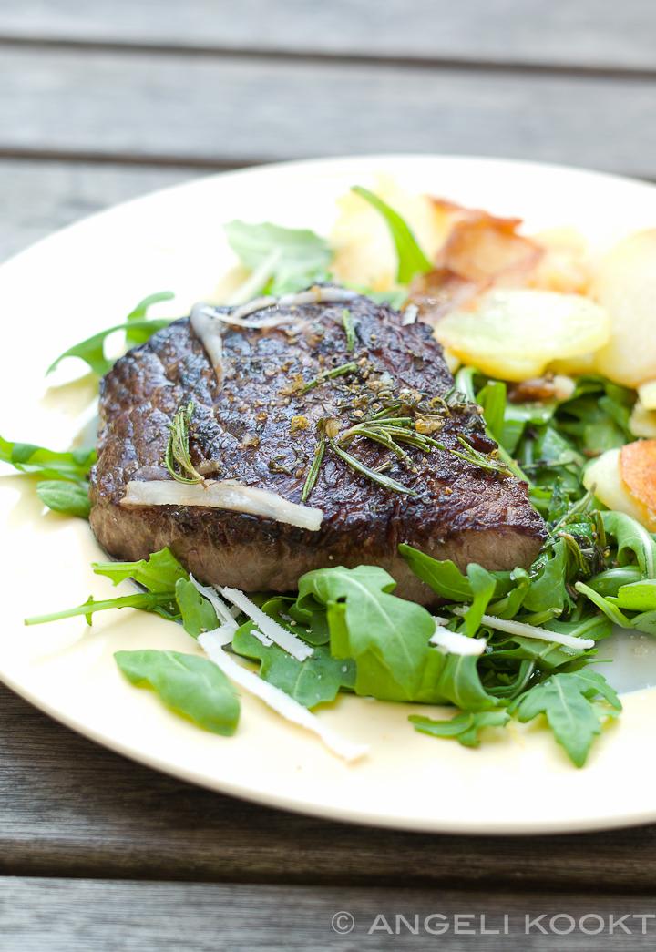 Biefstuk met rucolasalade