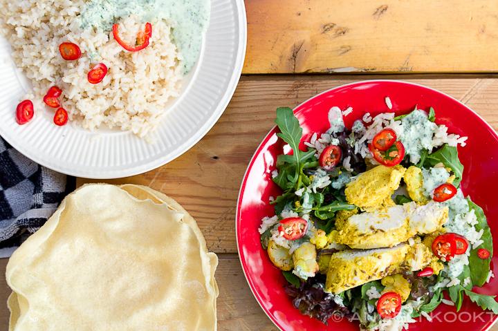 Bombay kip met bloemkool, pappadums en rijst