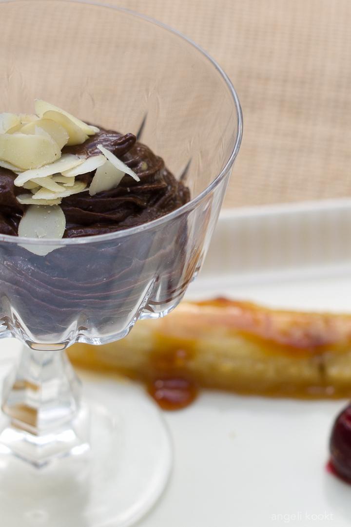 Gezonde chocolademousse met avocado en banaaan