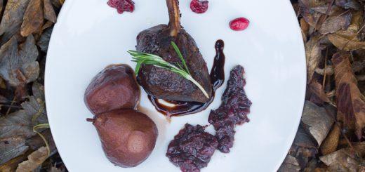 Hertenkoteletjes met cranberries en rode wijn
